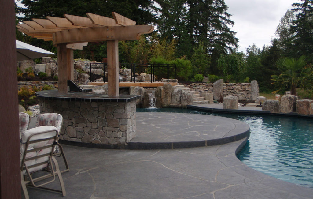 Poolside bar to enhance the outdoor lifestyle